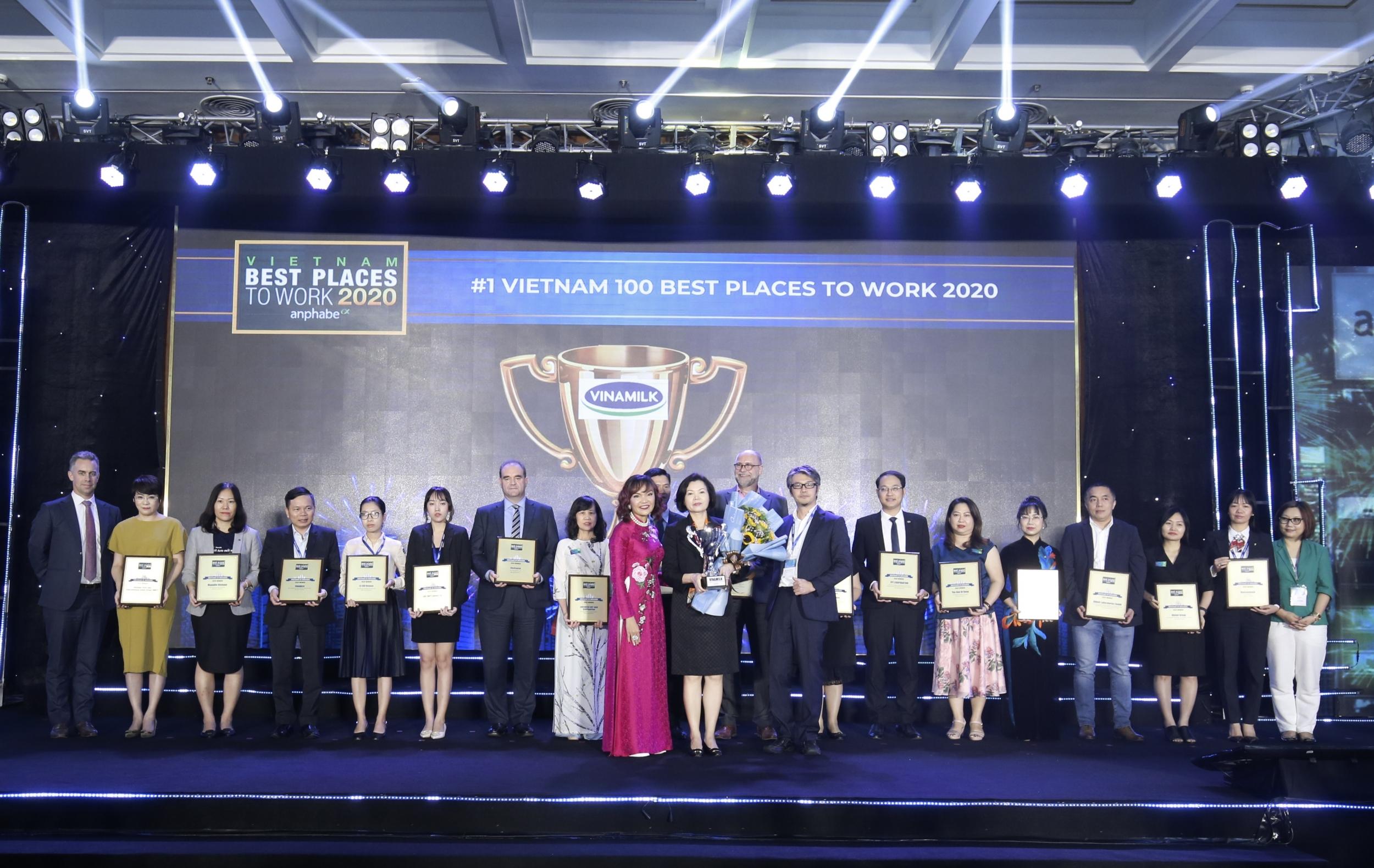 Với nhiều chính sách tiên tiến hướng đến người lao động, Vinamilk được bình chọn là nơi làm việc tốt nhất Việt Nam liên tiếp 3 năm vừa qua