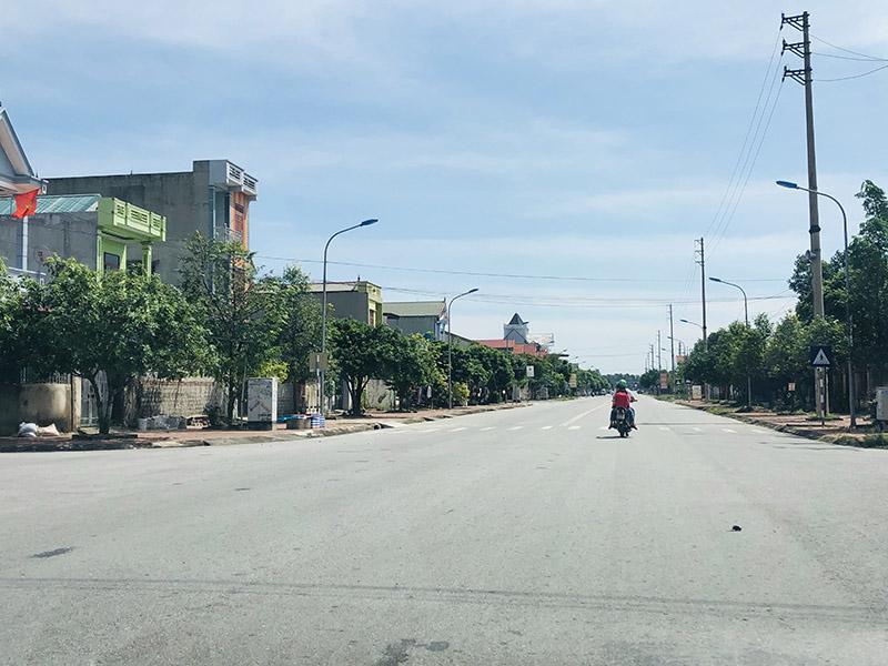 Những con đường rộng thênh thang, những ngôi nhà cao tầng mọc san sát tại các khu TĐC
