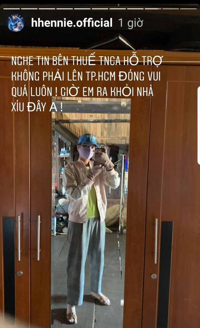 sao viet ngay 273 hhen nie mang 5 chong tien di dong thue thu nhap