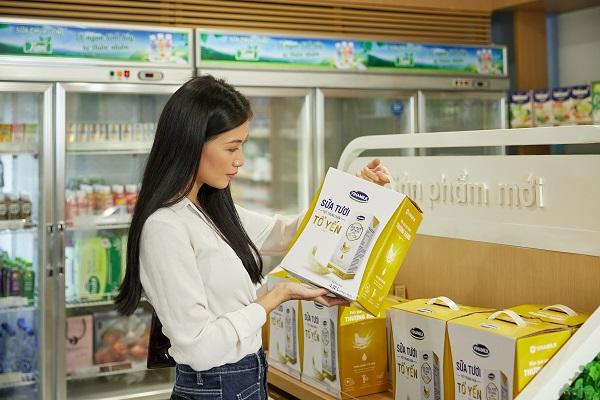 """""""Sữa tươi tiệt trùng chứa tổ yến"""" đi Singapore, tiếp tục phát triển thị trường phân khúc cao cấp"""