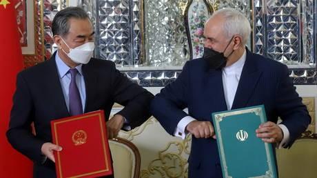 Iran-Trung Quốc ký thỏa thuận hợp tác toàn diện trong 25 năm tới