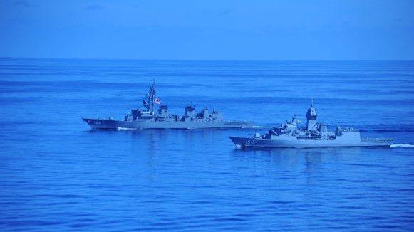 Mỹ, Trung đồng loạt điều tàu sân bay tới Biển Đông và Biển Hoa Đông: Cạnh tranh gay gắt, nguy cơ xung đột gia tăng