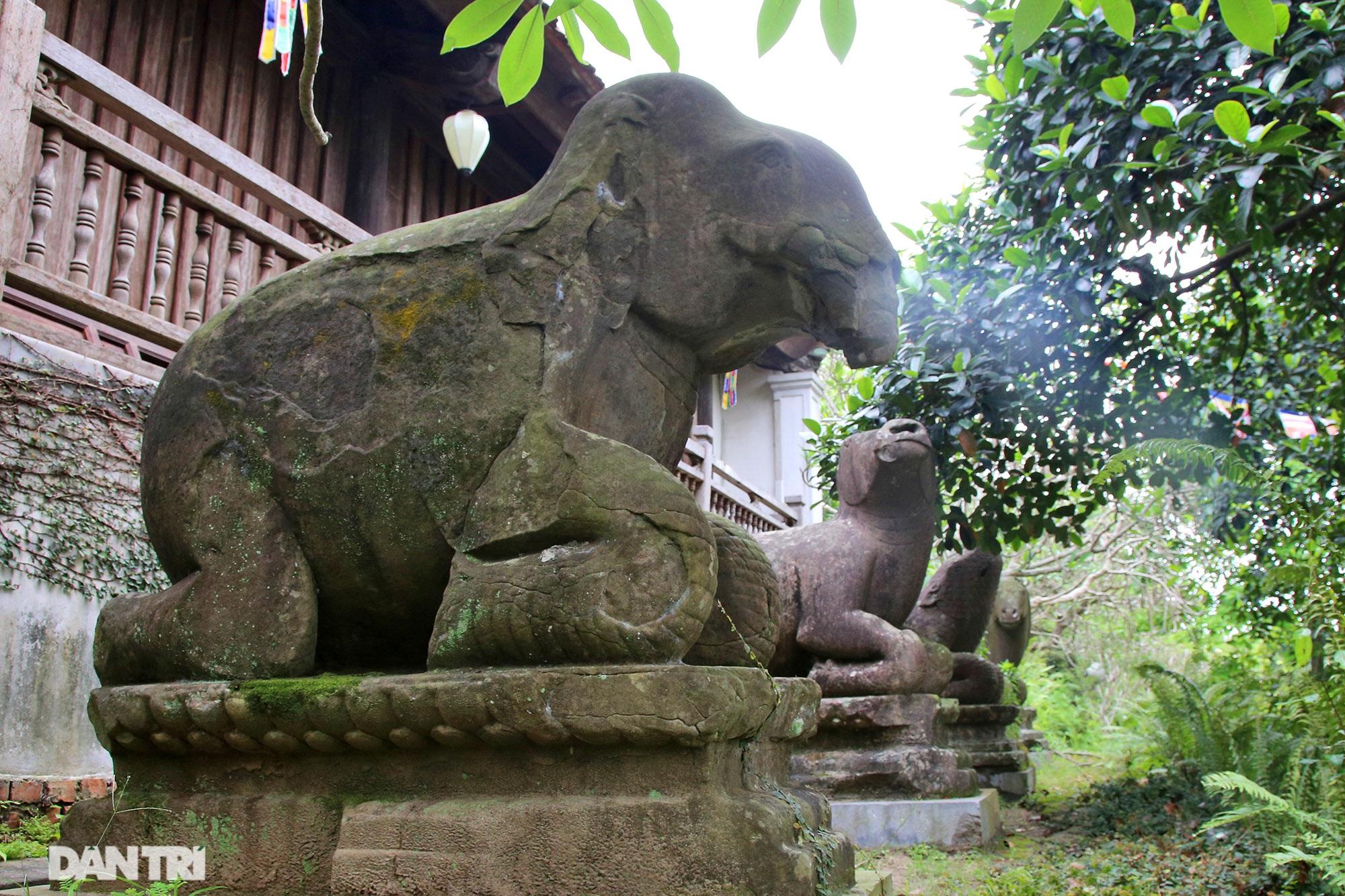 Kỳ lạ 10 linh thú đá nghìn năm tuổi canh gác chùa Phật Tích - 14
