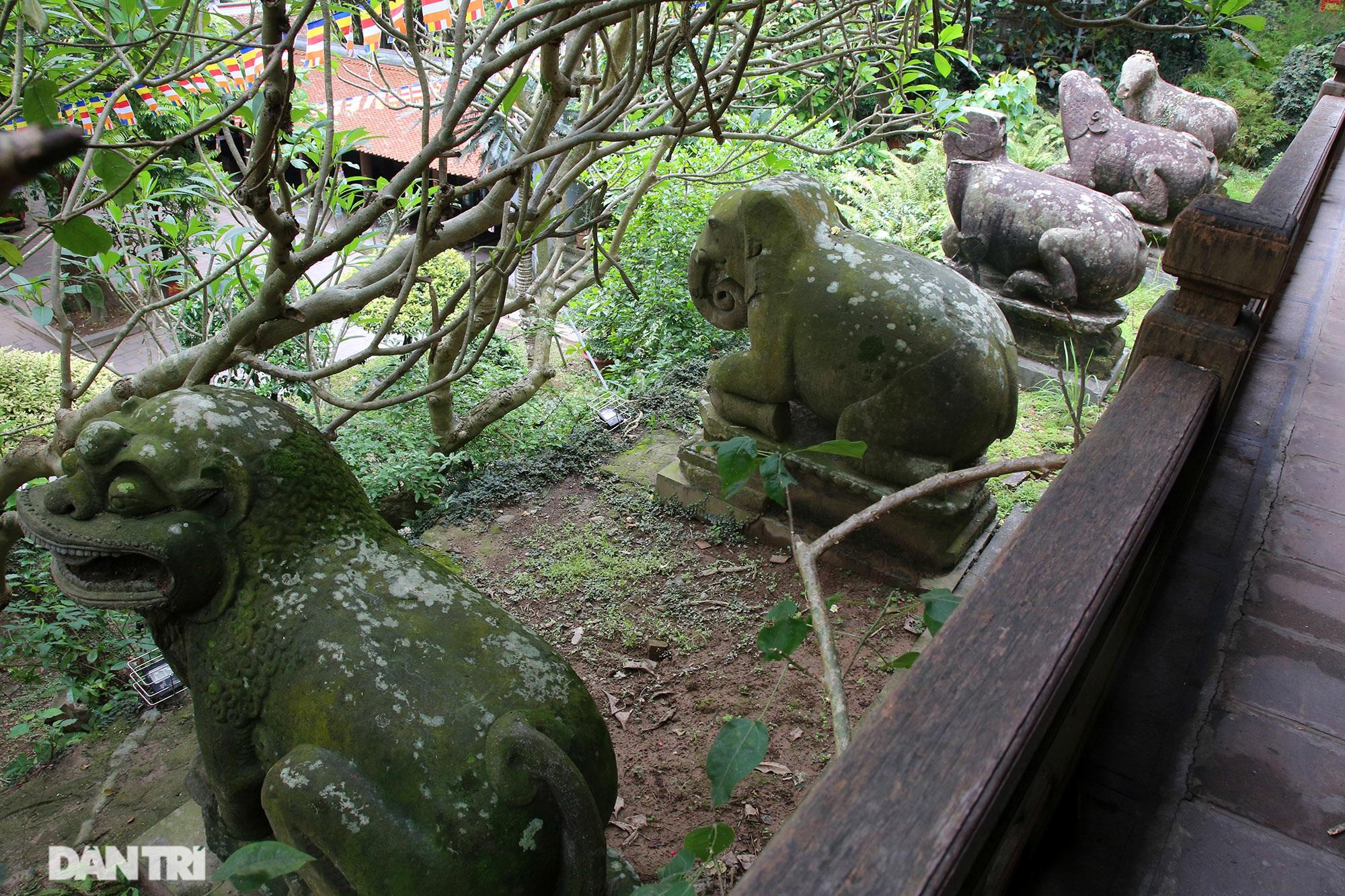 Kỳ lạ 10 linh thú đá nghìn năm tuổi canh gác chùa Phật Tích - 3