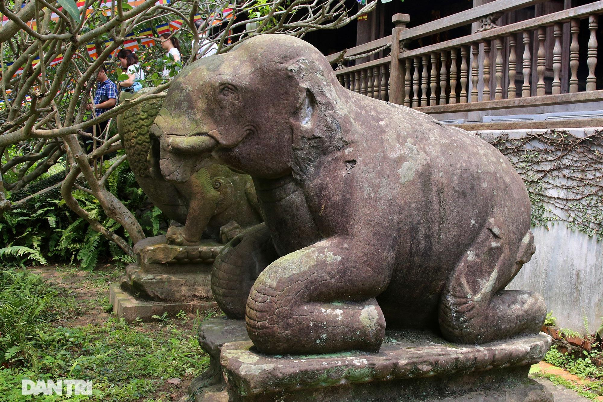 Kỳ lạ 10 linh thú đá nghìn năm tuổi canh gác chùa Phật Tích - 5