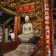 Kỳ lạ 10 linh thú đá nghìn năm tuổi canh gác chùa Phật Tích