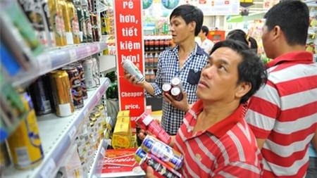 who khuyen nghi viet nam tang thue ruou bia de han che muc uong