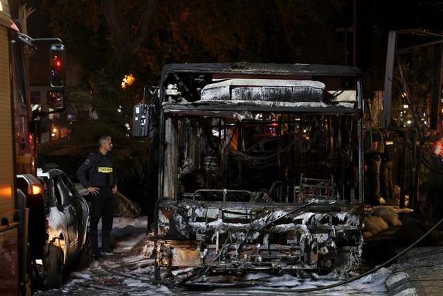 Dải Gaza chìm trong khói lửa, thùng thuốc súng Trung Đông nóng trở lại - 11