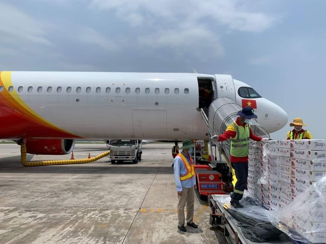 Cùng Vietjet chung tay xuất khẩu và tiêu thụ vải thiều Bắc Giang