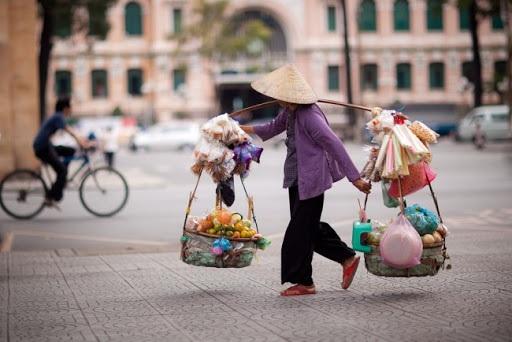 TS. Huỳnh Thế Du: Kinh tế khó khăn nhưng chưa u ám như nhiều người nghĩ - 3