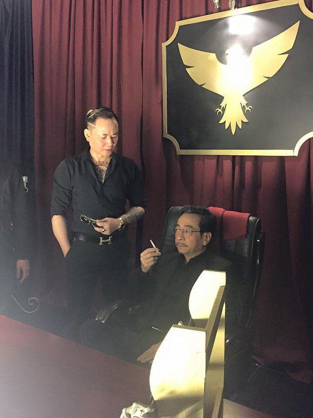 """Sao Việt ngày 4/7: Tùng Dương nhập viện vì """" nhiễm độc thần kinh"""""""