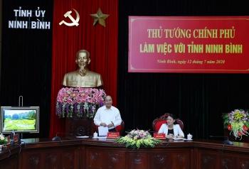 thu tuong nguyen xuan phuc lam viec voi can bo chu chot tinh ninh binh