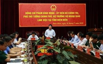 Phó Thủ tướng Phạm Bình Minh làm việc tại Điện Biên