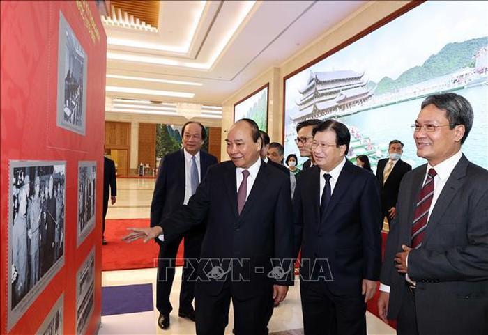 Thủ tướng Nguyễn Xuân Phúc dự Kỷ niệm 75 năm Ngày truyền thống và Đại hội thi đua yêu nước của Văn phòng Chính phủ