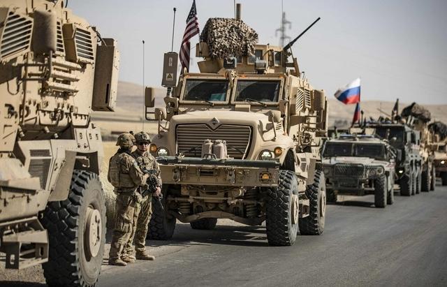 Xe quân sự Nga, Mỹ đụng độ ở Syria, 4 binh sĩ Mỹ bị thương