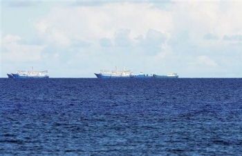 """Vấn đề Biển Đông: Trung Quốc tập trận dồn dập, quốc tế """"đồng thanh"""" phản đối yêu sách phi pháp"""