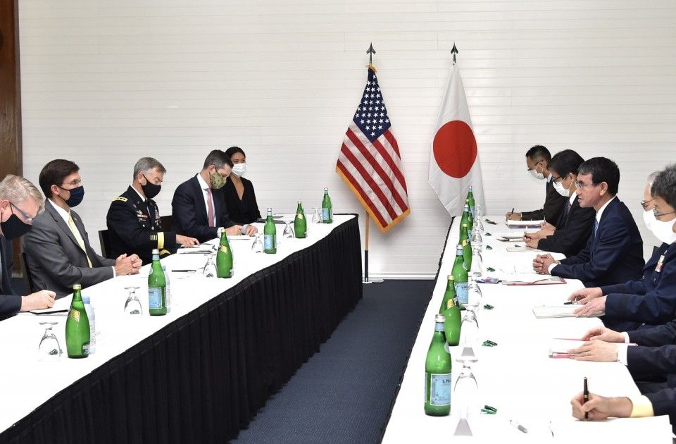 """Nhật Bản và Mỹ """"gật đầu"""" trong nỗ lực kiềm chế Trung Quốc tại Biển Đông và Biển Hoa Đông"""