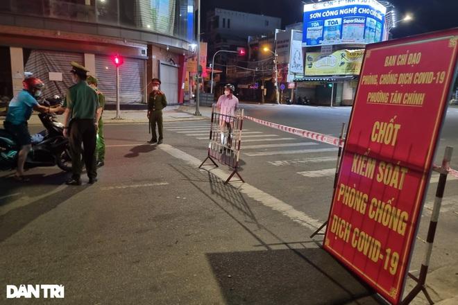 Đêm đầu Đà Nẵng làm mạnh hơn Chỉ thị 16: Người ra đường phải trình lý do - 1