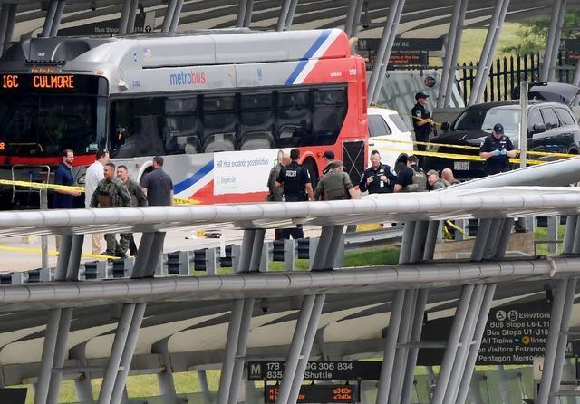 Mỹ phong tỏa Lầu Năm Góc, nhân viên được lệnh trú ẩn, có thương vong bên ngoài trụ sở