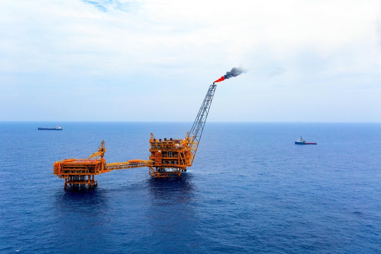 [PetroTimesTV] Tập đoàn Dầu khí Việt Nam góp phần phát triển kinh tế Biển