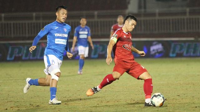 vong 23 v league tran derby ha noi tren san khong co khan gia
