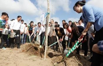 Vinamilk trồng cây tại các địa danh lịch sử mang lại giá trị tinh thần và lợi ích thiết thực