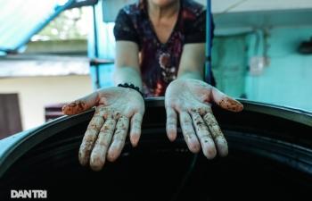 Hình ảnh nước sinh hoạt đục ngầu tanh vị sắt của hàng trăm nghìn người Hà Nội