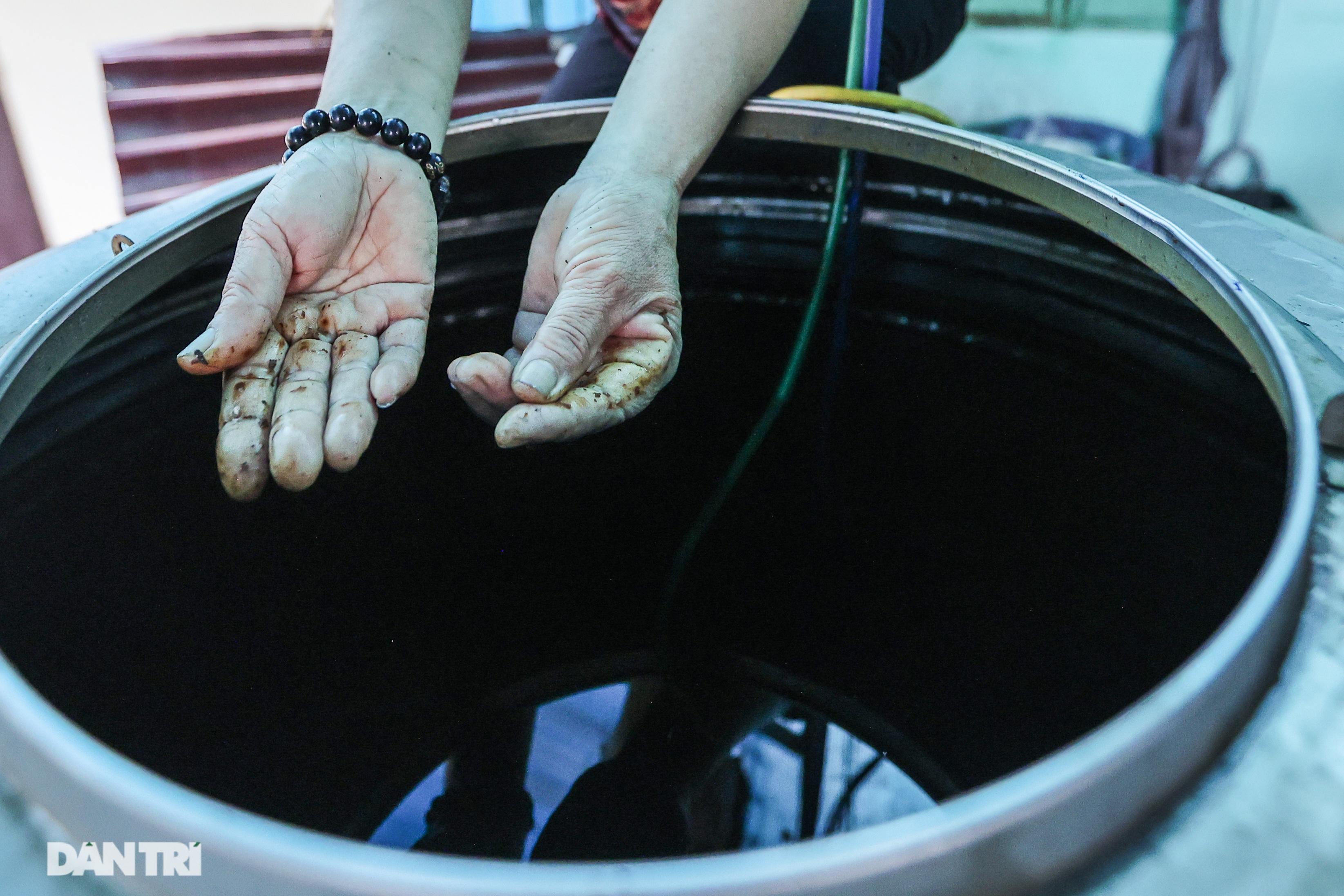 Cảnh nước sinh hoạt đục ngầu tanh vị sắt của hàng trăm nghìn người Hà Nội - 12