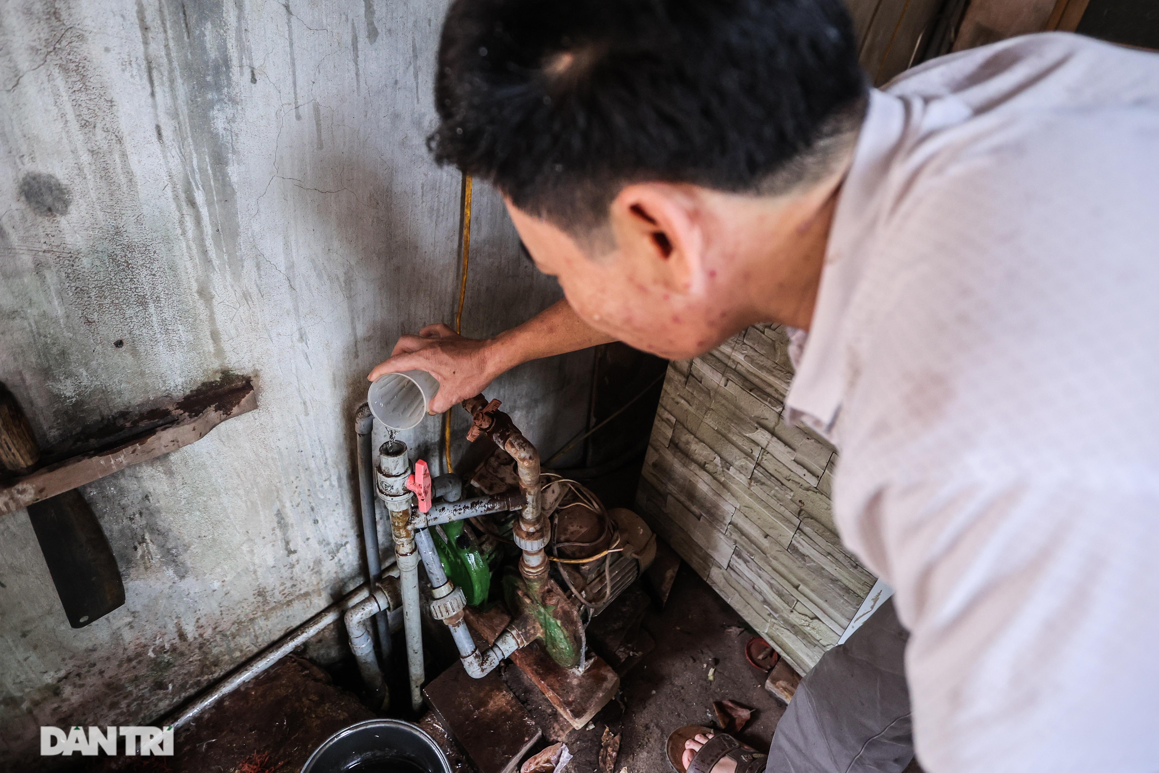 Cảnh nước sinh hoạt đục ngầu tanh vị sắt của hàng trăm nghìn người Hà Nội - 7