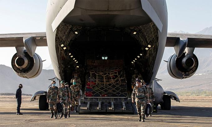 Ấn, Trung đua nhau tích trữ lương thảo sát biên giới