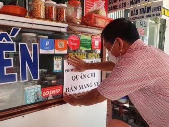 """Doanh nghiệp dịch vụ ăn uống TP.HCM """"đau đầu"""" khi được mở cửa trở lại"""