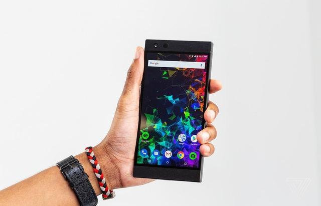 razer phone 2 chuyen danh cho game thu voi cau hinh khung duoc trinh lang