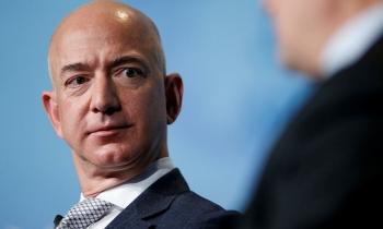 Ông chủ Amazon có thể mất ngôi giàu nhất thế giới