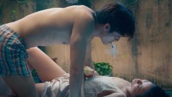 Sao Việt ngày 11/11: 'Nếu cắt cảnh nóng thà đừng chiếu phim tôi trên HBO'