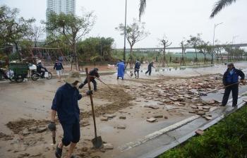 Giúp người dân ổn định cuộc sống sau bão số 9