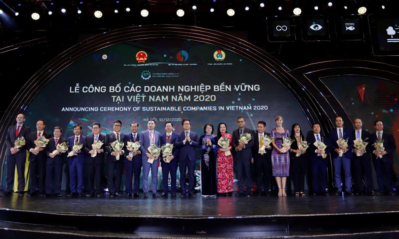 Vinamilk vững vàng vị trí dẫn đầu Top 100 doanh nghiệp bền vững Việt Nam năm 2020