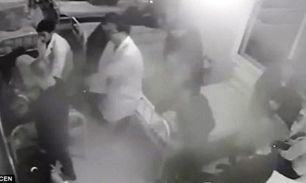 [VIDEO] Sốc với bác sĩ đánh bệnh nhân tàn tật suốt đời