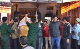 Hung thủ sát hại thiếu nữ xuất hiện ở đám tang nạn nhân