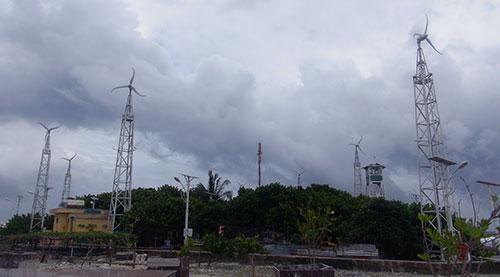Một góc nhỏ trên đảo Phan Vinh A được phủ bởi một màu xanh của nhiều loại cây.
