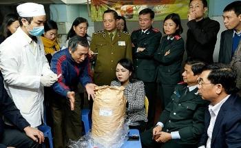 Cuộc chiến gian nan chống thực phẩm bẩn