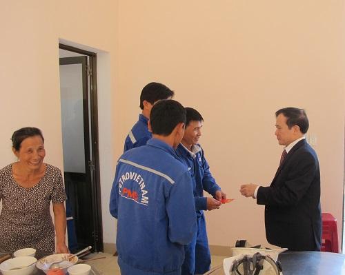 Lãnh đạo PVN kiểm tra và chúc Tết đầu năm các đơn vị ở Quảng Ngãi