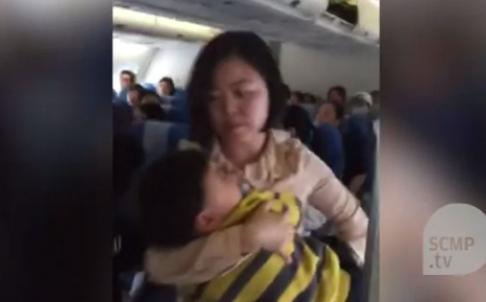 [VIDEO] Không thắt dây an toàn, cặp vợ chồng Trung Quốc gây hỗn loạn chuyến bay từ Thái Lan