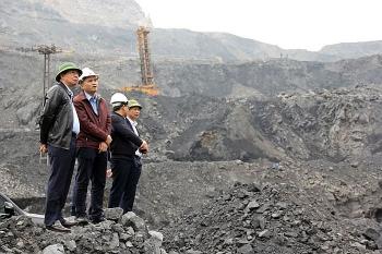 Không để Covid-19 ảnh hưởng đến sản xuất than