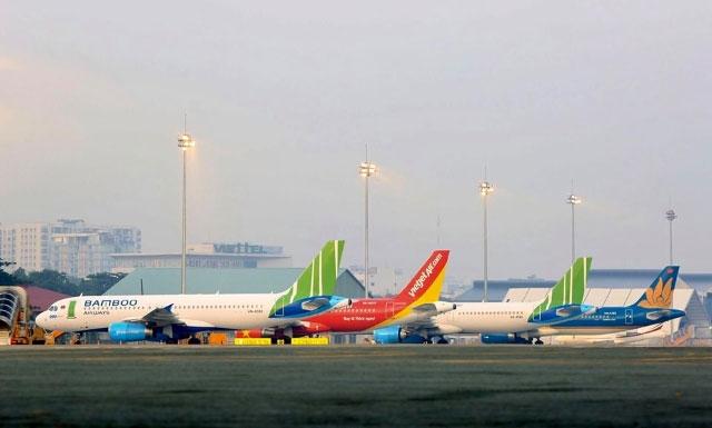 Các hãng hàng không lớn tại Việt Nam đều chịu ảnh hưởng của dịch Covid.