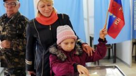 video ukraine hay nga nguoi dan crimea bo phieu quyet dinh tuong lai cua minh