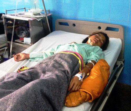 Quảng Bình: Bom bi phát nổ, một bé gái bị thương nặng