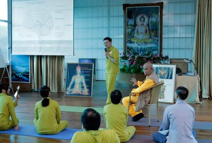 buddha yoga cua thuong toa thich hue dang