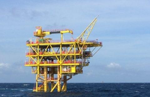 2h offshore hoan tat cong tac lap dat gian dau gieng cho du an ngoai khoi malaysia