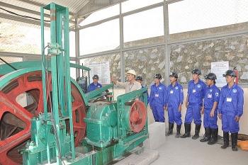 Chuẩn hóa lao động mỏ hầm lò