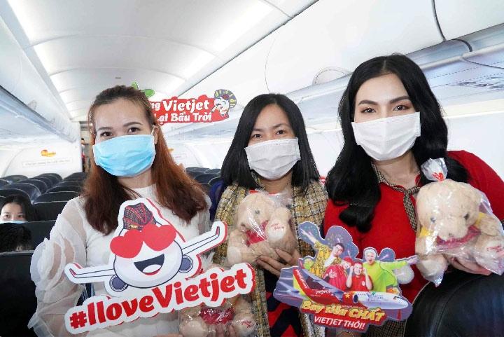 Trao yêu thương cho một nửa thế giới, Vietjet tung vé khuyến mại 0 đồng bay khắp Việt Nam
